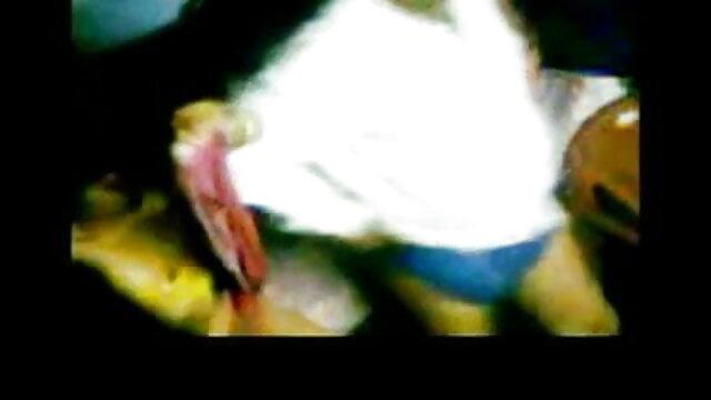 જર્મન સોનેરી હજામત કરેલું ભોસ ચુત લાગે છે એક બીપી સેક્સ બીપી વીડીયો વ્યક્તિ સાથે બેડ માં