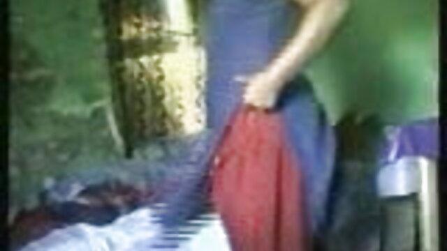 રશિયન હોમમેઇડ પોર્ન એક યુવાન બીપી સેકસી વીડીયો દંપતિ